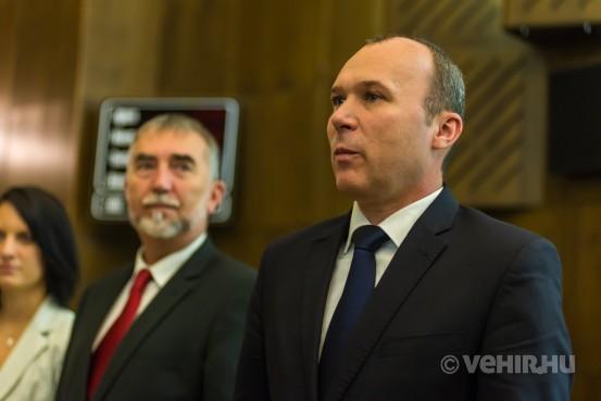 A polgármester és a képviselők letették esküjüket