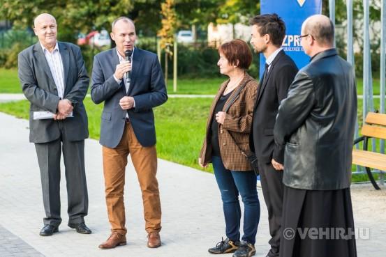 Porga Gyula méltatja a beruházást